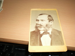 Old Cardboard  Pressburg  E Kozics  Visite Portrait - Photographs