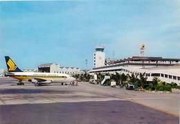 Gd Format :environ 15cms X10cms -ref Y294- Aviation -avions -avion -singapour -singapore International Aeroport -airport - Aérodromes