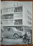 Voiture Dauphine Renault, 1956 - Immeuble, Enfant Sur Tricycle - Photo Noir Et Blanc D'une Revue Realités - Publicités