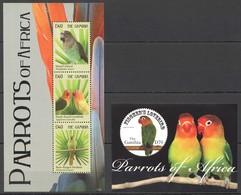 X851 2011 GAMBIA BIRDS PARROTS OF AFRICA 1BL+1KB MNH - Papegaaien, Parkieten