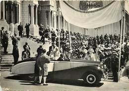 Gd Format :environ 15cms X10cms -ref Y246- Monaco -mariage Princier -voiture Automobile /petit Coin Bas Gauche Arrondi - - Monaco
