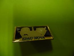 PIN'S De MATHAY (25) Société EPAU NOVA Vêtements Textiles Et Accessoires  @ 27 Mm X 14 Mm - Villes