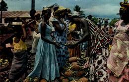 L'Afrique En Couleurs - Marchande D'ananas - Postcards