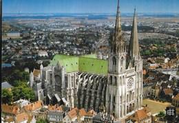 FRANCIA - CHARTRES - LA CATTEDRALE - VIAGGIATA FRANCOBOLLO ASPORTATO - Eglises Et Cathédrales