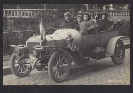 Stolze Oldtimer Besitzer - Oldtimer - Automobil - Belebt - Switzerland
