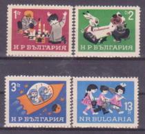69-020 / BG - 1966   CHILDREN  SET    Mi 1643/46 ** - Bulgarien
