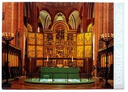#425   The Altar Of Roskilde Cathedral - DENMARK - Postcard - Eglises Et Cathédrales