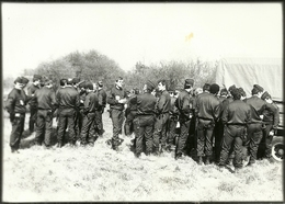 (MILITAIRES)( METIERS)( POLICIERS )( CRS ) 12.5X16.5 - Guerra, Militari