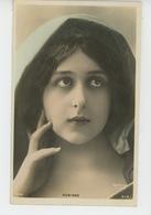FEMMES - FRAU - LADY - SPECTACLE - ARTISTES - Portrait De ROBINNE - Prénoms