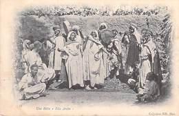 Afrique-Algérie- (Scènes & Types) UNE BITTA  Fête Arabe (musique)( Cpa  DOS SIMPLE- Collection ND Phot 33  )*PRIX FIXE - Scènes & Types