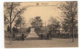 Auderghem  Rond-Point Du Boulevard Du Souverain Et Le Monument - Oudergem - Auderghem