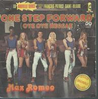 "45 Tours SP - MAX ROMEO - ISLAND 6138101  "" ONE STEP FORWARD "" + 1 - Vinyles"