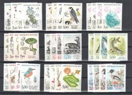 """France 9 Series De 4 Timbres """"Nature Flores, Faunes Et Mineraux"""" Entre 1983 Et 1993 Neuf ** - France"""