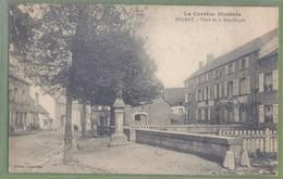 CPA - CORREZE - BUGEAT  - PLACE DE LA RÉPUBLIQUE - édition Lissandre - France