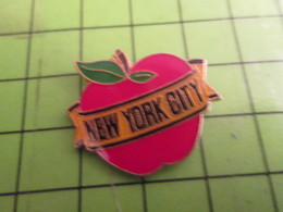 818B Pin's Pins /  Rare & De Belle Qualité : THEME VILLES / POMME ROUGE NEW YORK CITY - Villes