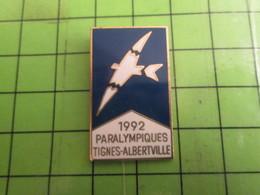 818C Pin's Pins /  Rare & De Belle Qualité : THEME JEUX OLYMPIQUES / FOLON 1992 ALBERTVILLE TIGNES JEUX PARALYMPIQUES - Olympic Games
