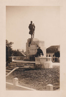 ROMANIA : ORASTIE - ROYALTY : KING FERDINAND' S MONUMENT - REAL PHOTOGRAPH ~ 12 X 18 CM ~ 1929 - '30 - RRR !!! (aa272) - Rumänien