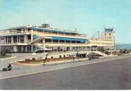 AEROPORT Airport - 06 NICE : L'Aéroport ( Vue Prise De La Piste ) CPSM GF - Aérodrome Flughafen Luchthaven Aeroporto - Aérodromes