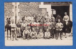 CPA Photo - Caserne à Situer - Portrait De Soldat , Uniforme Chasseurs à Cheval , Régiment à Identifier - Garçon Boy - Cartes Postales