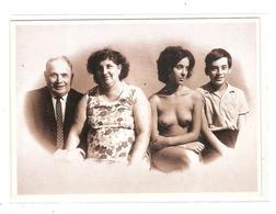 LASZLO TOROK -LA FAMILLE 1972 - JEUNE FEMME NUE - Photographie