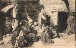 GAFSA - DEVANT UNE MAISON ARABE - Tunesien
