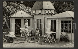 Postcard / ROYALTY / Belgique / België / Reine Astrid / Koningin Astrid / Unused / Princesse / Prince Baudouin - Familles Royales