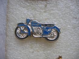 Pin's Ancienne Moto De La Marque PEUGEOT - Motorbikes