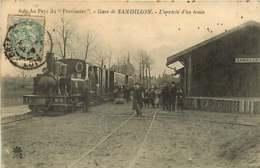 151218C - 45 SANDILLON Gare L'arrivée Du Train - Loco TL N°6 Voyageur Cheminot  - Au Pays Du Provisoire - Autres Communes