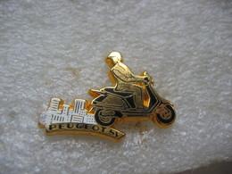 Pin's Arthus Bertrand, D'un Scooter PEUGEOT - Motorbikes