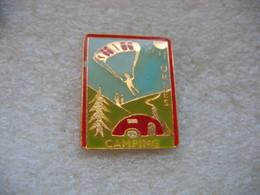 Pin's Du Camping De La Commune D'URBES (Dept 68) - Badges
