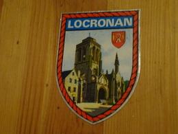 Blason écusson Adhésif Autocollant Locronan église Et Blason (Finistère) - Obj. 'Souvenir De'