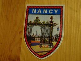 Blason écusson Adhésif Autocollant Nancy, Grille Place Stanislas (Meurthe Et Moselle) - Obj. 'Souvenir De'