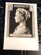 19831) MONACO CARTOLINA FRANCOBOLLO PRINCESSE GRACE 25 GENNAIO 1957 NON VIAGGIATA - Monete (rappresentazioni)