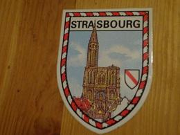 Blason écusson Adhésif Autocollant Strasbourg (Cathédrale) - Obj. 'Souvenir De'