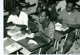 Photo Zaïre Kinshasa. Livulu, Formation Religieuse Des Laïcs, Makambi 1988 Photo-service PP. Blancs - Afrique