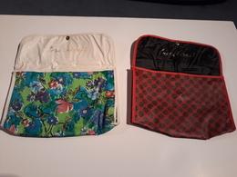 Deux Pochettes Plastique BAS MINUIT Années 70 - Produits De Beauté
