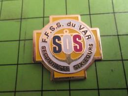911D Pin's Pins /  Rare & De Belle Qualité : THEME ASSOCIATIONS / FFSS SECOURISTES DU VAR - Associations