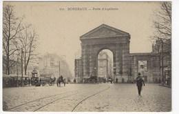 33 - BORDEAUX - Porte D'Aquitaine - Animée (M50) - Bordeaux