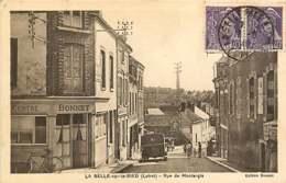 161218 - 45 LA SELLE SUR LE BIED Rue De Montargis - Commerce BONNET Pub SUZE Vélo - Altri Comuni