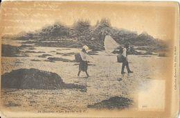Ile, Iles Chaussey (Manche) - Les Moines, Pêcheurs De Crevettes - Collection Germain Fils, Carte Dos Simple Non Circulée - France