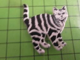 912B Pin's Pins /  Rare & De Belle Qualité : THEME ANIMAUX / GRAND CHAT TIGRé - Animals