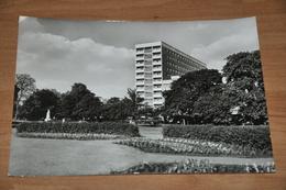 6705-  DESSAU, IM STADTPARK - Dessau