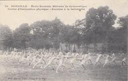 Thematiques 94 Val De Marne Ecole Militaire De Gymnastique Et D'Escrime Instruction Physique Escrime à La Baïonnette - Schermen