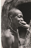 CPSM AFRIQUE EQUATORIALE FRANCAISE NEGRESSE A PLATEAUX - Postcards