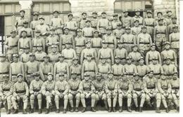 Carte Photo , Ww1 , Photo De Groupe De Soldats En Uniforme , Non Voyagée , Photographe André à Reims - Guerre 1914-18