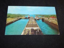 Panama Canal De Panama Gatun Locks -78__(20050) - Panama