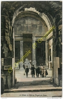 30. NIMES . La Porte Du Temple De Diane . CPA Animée . - Nîmes