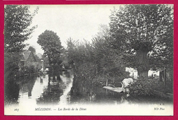 CPA Mézidon - Les Bords De La Dives - France