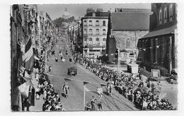 (RECTO / VERSO) BOULOGNE SUR MER - N° 35 - PROCESSION DANS LA GRANDE RUE - FORMAT CPA VOYAGEE - Boulogne Sur Mer