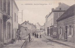 Chevreuse Rue De La Poste De Paris éditeur G I N°345  Peintres A Gauche Mur De La Maison Travaux - Chevreuse